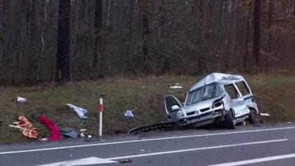 Ostrów Mazowiecka - Do wypadku samochodu osobowego z ciężarówką doszło na drodze
