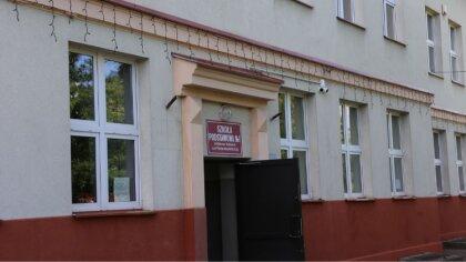 Ostrów Mazowiecka - Szkoła Podstawowa nr 1 w Ostrowi Mazowieckiej zdobyła tytuł