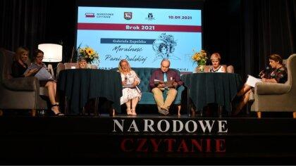 Ostrów Mazowiecka - W Bibliotece Publicznej w Broku odbyło się wspólne czytanie