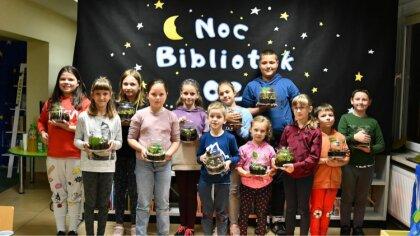 Ostrów Mazowiecka - Noc Bibliotek w Broku była niezwykle ciekawa, dzieci obejrza