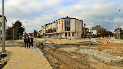 Ostrów Mazowiecka - Budowa ronda przy sądzie nadal trwa. Jest to jedno z dwóch r