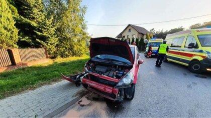 Ostrów Mazowiecka - Dwie osoby trafiły do szpitala na skutek zderzenia dwóch sam