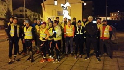 Ostrów Mazowiecka - Blisko 25 osób biegało w niedzielę nocnymi ulicami miasta po