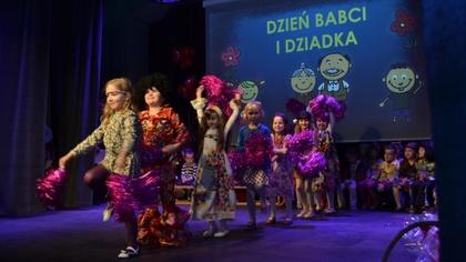 Ostrów Mazowiecka - Babcia i Dziadek to bardzo ważne osoby w życiu każdego dziec