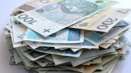Ostrów Mazowiecka - Mieszkaniec Ostrowi Mazowieckiej znalazł pieniądze na ulicy