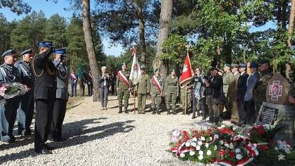 Ostrów Mazowiecka - Uroczystość odsłonięcia tablicy upamiętniającej podporucznik