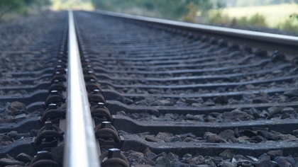 Ostrów Mazowiecka - 29-letni mężczyzna zginął pod kołami pociągu na torach w pob